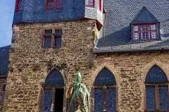 Schloss Burg Engelbert I Statue - Solingen