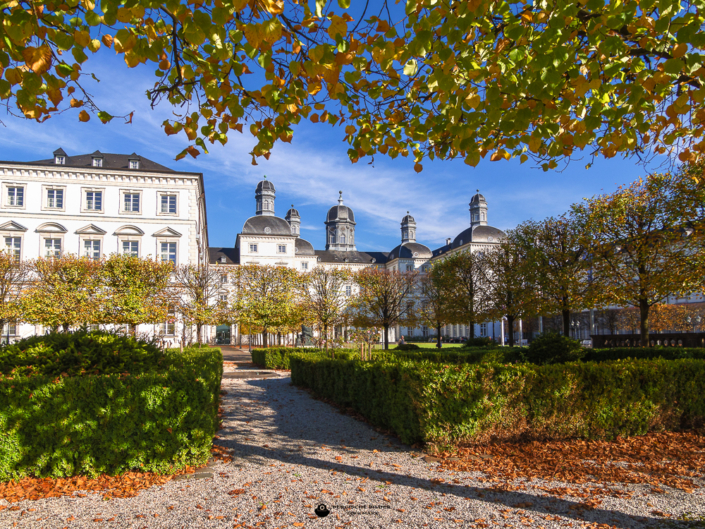 Schloss Bensberg im Herbst