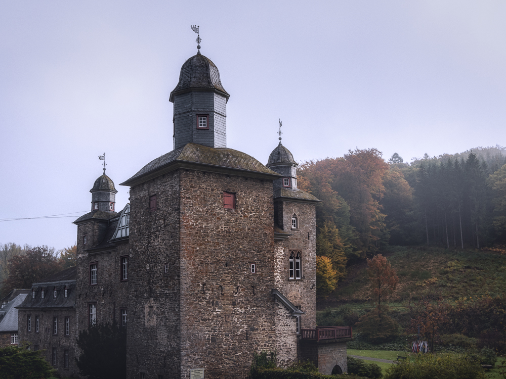 Schloss Gimborn im Herbst