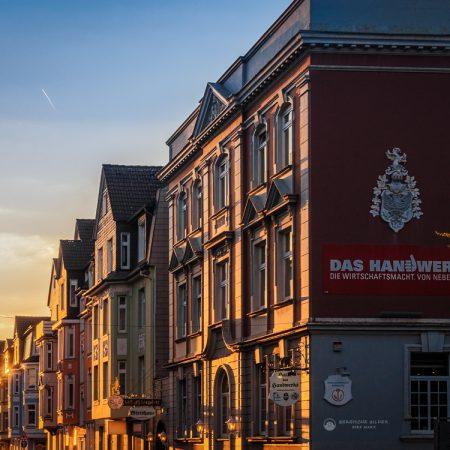 Hindenburgstrasse im Sonnenuntergang