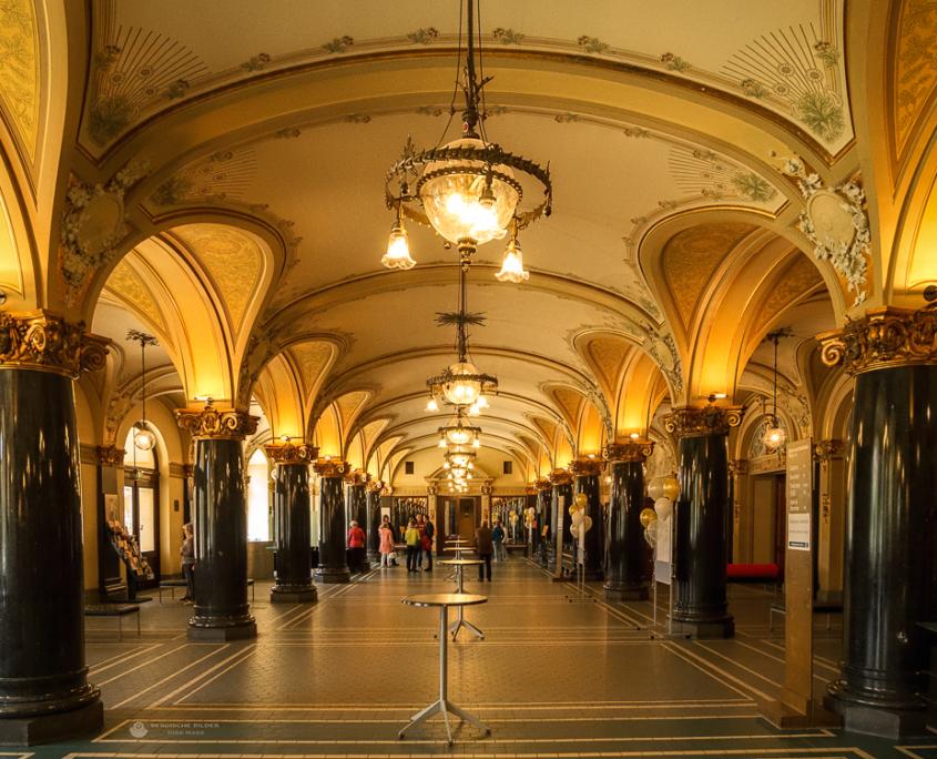 Wuppertaler Stadthalle Eingangshalle