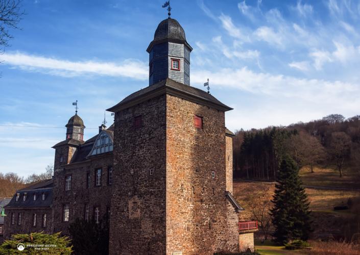 Schloss Gimborn im Frühjahr