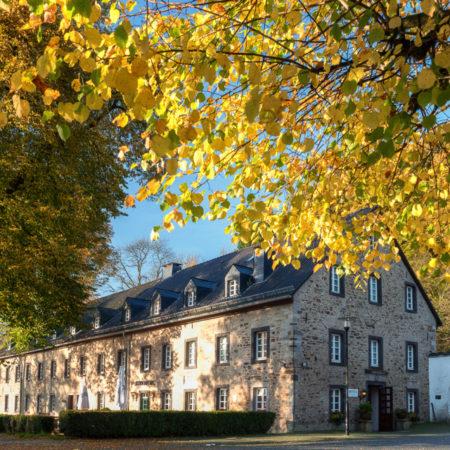 Torschänke Altenberger Hof im Herbst