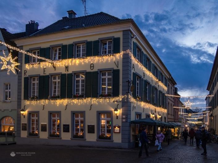 Düsseldorfer Straße zur Weihnachtszeit