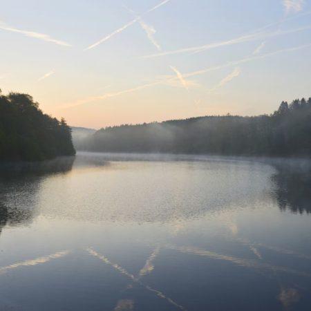 Eschbachtalsperre zum Sonnenaufgang
