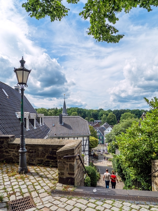 Gräfrath - Kirchtreppe am Klosterhof