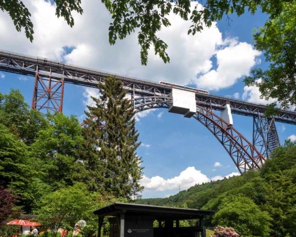 Müngstener Brücke im Frühjahr