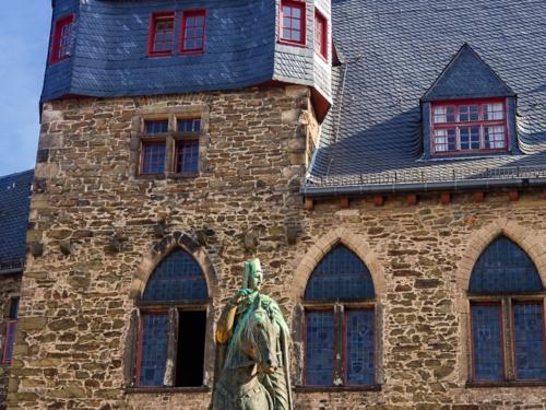 Schloss Burg - Graf Engelbert II