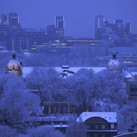 Bergische Universität und Stadthalle Winter